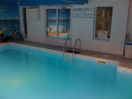 The Chines Hotel: Our Swimming Pool