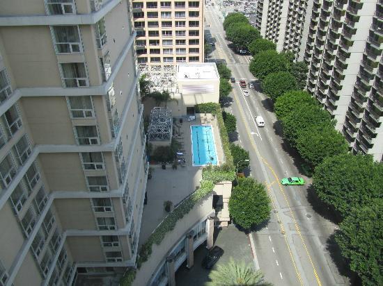 Omni Los Angeles at California Plaza: Pool