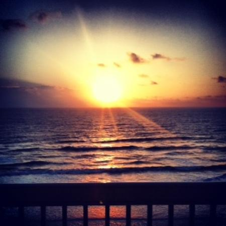 Daytona Beach Resort and Conference Center: Sunrise