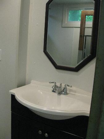 Ramblin Pines Campground: bath house