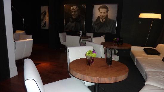 Le Grand Balcon: Lobby bar