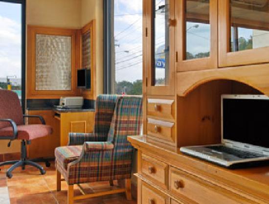 Days Inn Dalton: Business Center