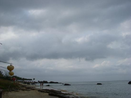 Nhat Lan: beach