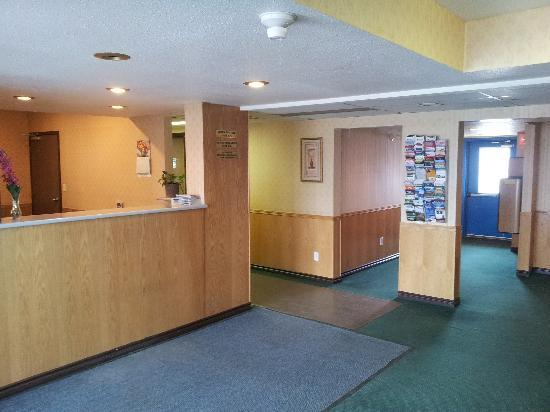 Stop In Family Hotel : Reception/Check-in Desk - May 20, 2012