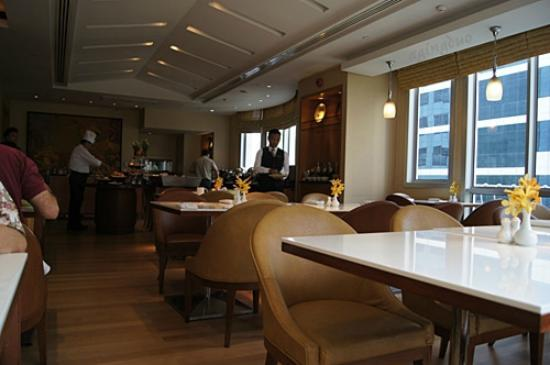 Mayfair, Bangkok - Marriott Executive Apartments: Mayfair Bistro for buffet breakfast