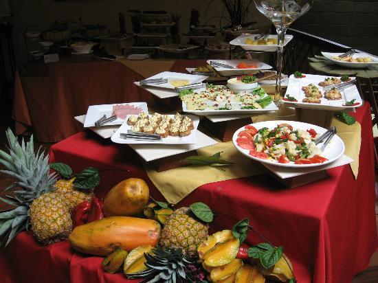 Hotel Aranjuez: Breakfast buffet 1