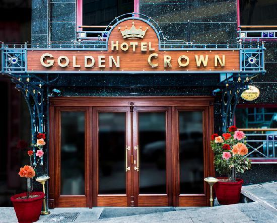 Golden Crown Hotel: Exterior