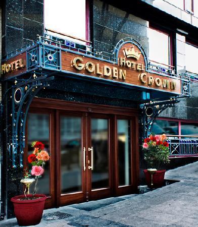 Golden Crown Hotel: Exterior-3