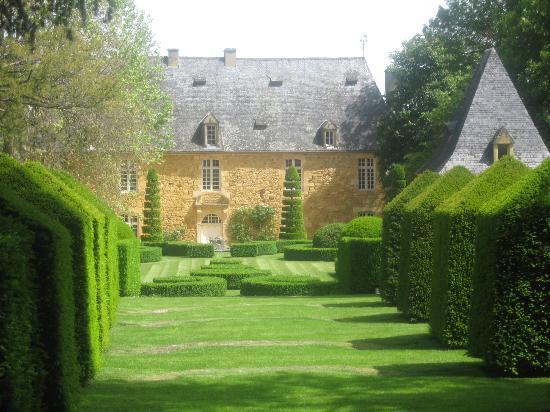 les Jardins du Manoir D Eyrignac: manoir