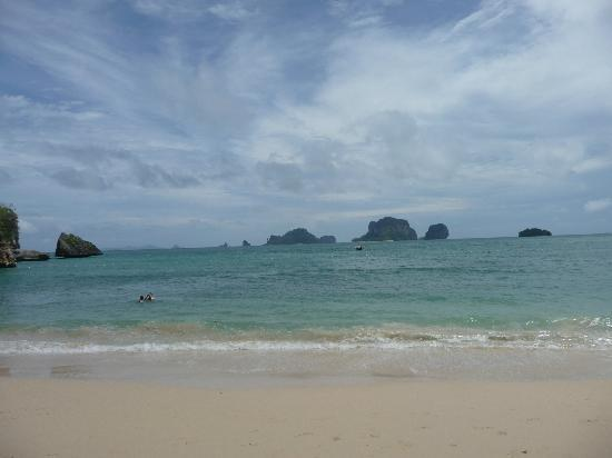 Phra Nang Cave Beach: beach on nice day/not busy time of year!