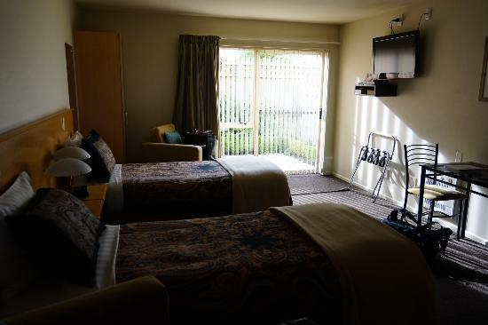 Lorenzo Motor Lodge: Twin Bed Room