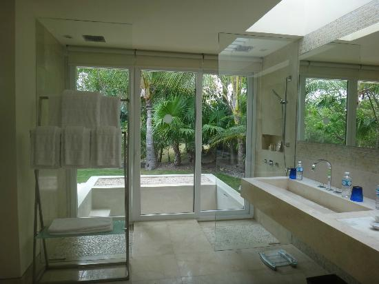 Patio Jr Suite Bathroom Picture Of Blue Diamond Luxury