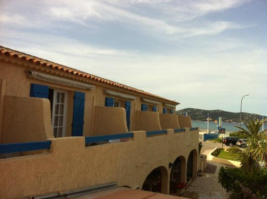 Citotel Hostellerie de la Nartelle : Lovely blue shutters- overlookig the beach,