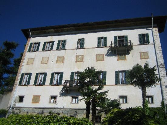 Castello Di Frino: front