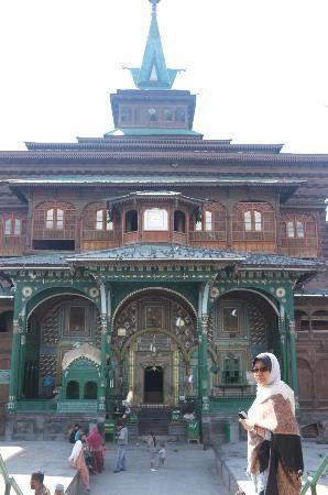 Shah-e-Hamdan : Main entrance