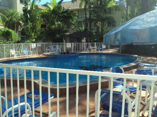 Surfers Tradewinds: the lovely pool & gardens