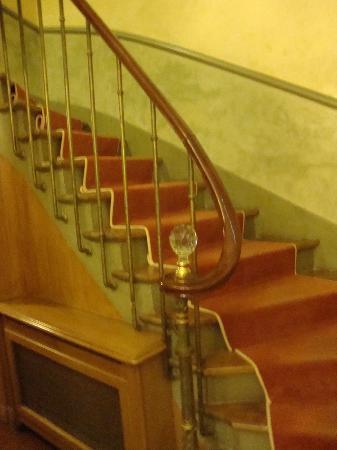 Hotel Gavarni: steps