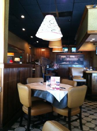 Ruby Tuesday: Comfortable, cozy seating