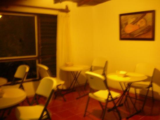 Haina Hostal: Dining room