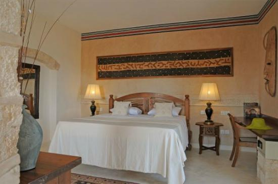 The Charming Lonno Lodge: beautiful room