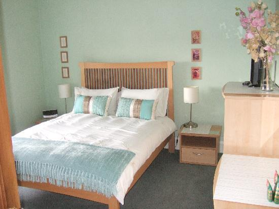 Gleniffer Bed & Breakfast: Garden Room