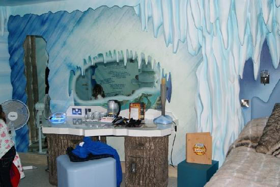 Splash Landings Hotel Ice Age Room