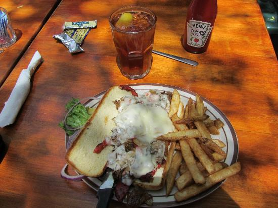 Olde Tymer's Cafe: Philly cheese steak