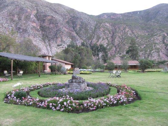 Hotel La Casona De Yucay Valle Sagrado: view from the gardens