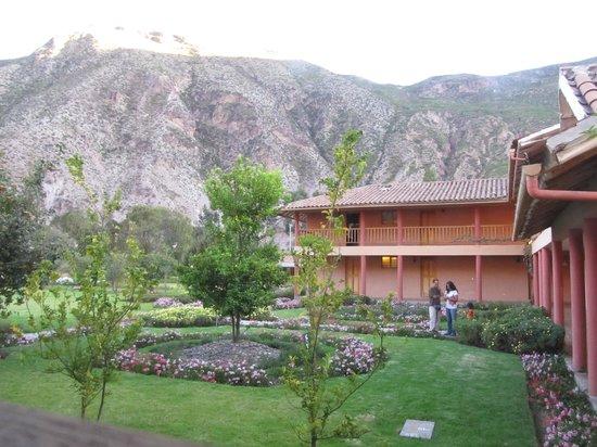 Hotel La Casona De Yucay Valle Sagrado: view out back
