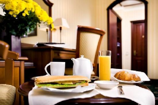 Hotel Ayvazovsky: breakfast