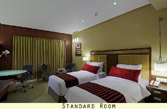 Hotel Express Inn: Standard Room