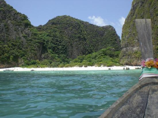 Phi Phi Island Village Beach Resort : boat trip