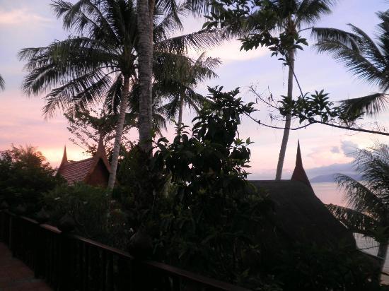 Ban Sabai Big Buddha Retreat & Spa : Amazing sunsets towards the islands