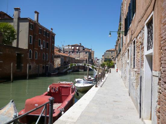 B&B Casa Baseggio: Uitzicht als je buiten komt (1)