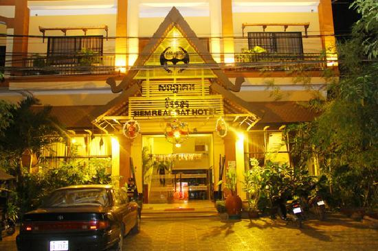 Siem Reap Bat Hotel: Front View