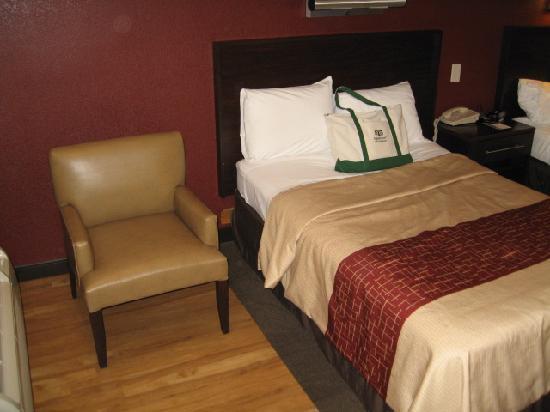 Red Roof Inn PLUS+ Ann Arbor University North: Bed