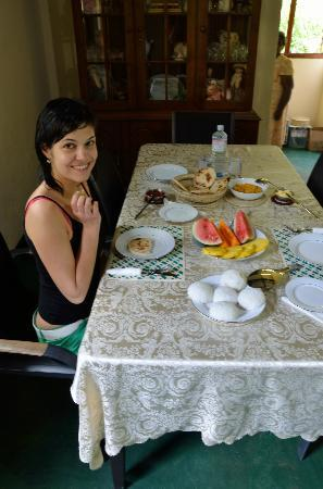 Kandy Guest House: Breakfast