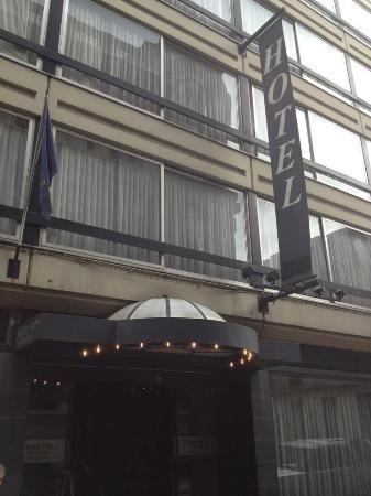 Theater Hotel : Eingang von Arenbergstraat