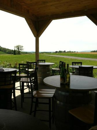 Blair Vineyards: Outdoor Patio