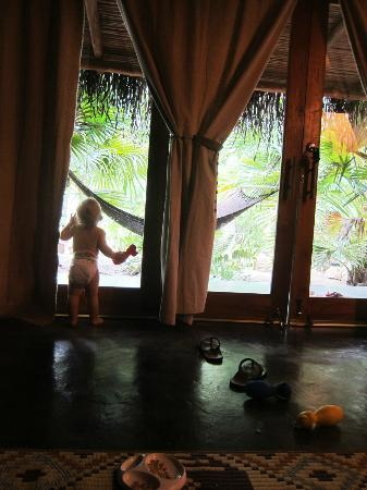 Griss Lodge and Villas: waiting for Papa to get back from an early morning surf