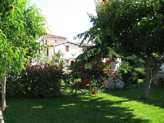 Agriturismo Santa Caterina : giardino