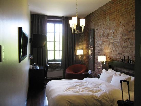 Auberge du Vieux-Port: Guest room