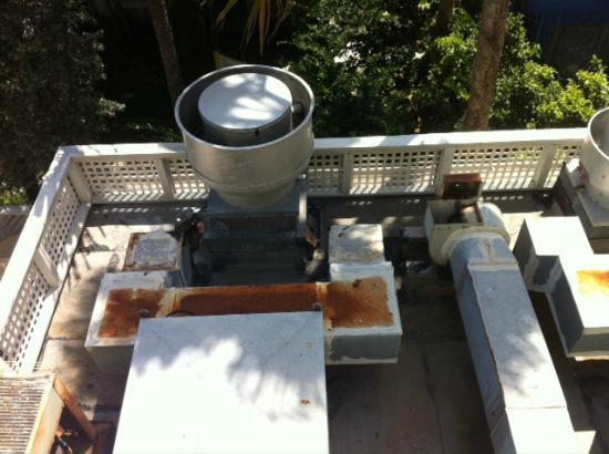 Sheraton Suites Key West: Spreading kitchen smell