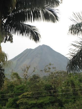 Arenal Paraiso Hotel Resort & Spa : Volcano View