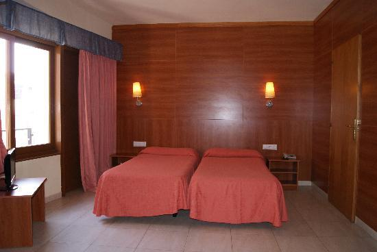 Hotel Mont-Palau: Habitación