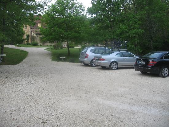 La Roche D'Esteil : parking
