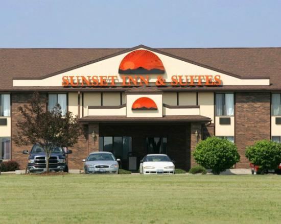 Clinton, IL: Sunset Inn & Suites