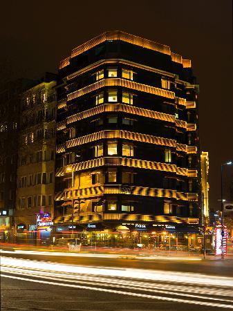 Taxim Suites Night
