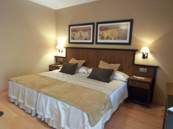 Hotel Estrella Albatros: Dormitorio.