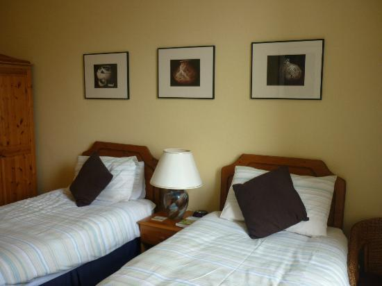 Barrisdale Guest House : Twin bedded Room